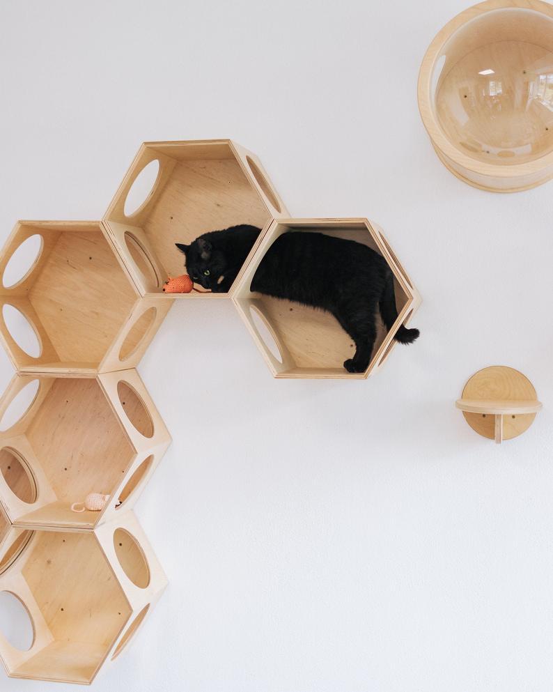 WALL-MOUNTED MODERN CAT TREE HOUSE